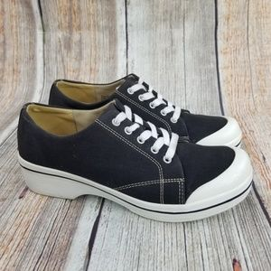 Dansko Vegan Clogs Size 39